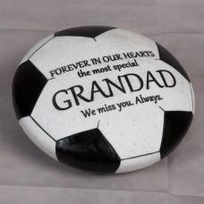 """Herdenkings steen """"Grandad"""" voetbal"""